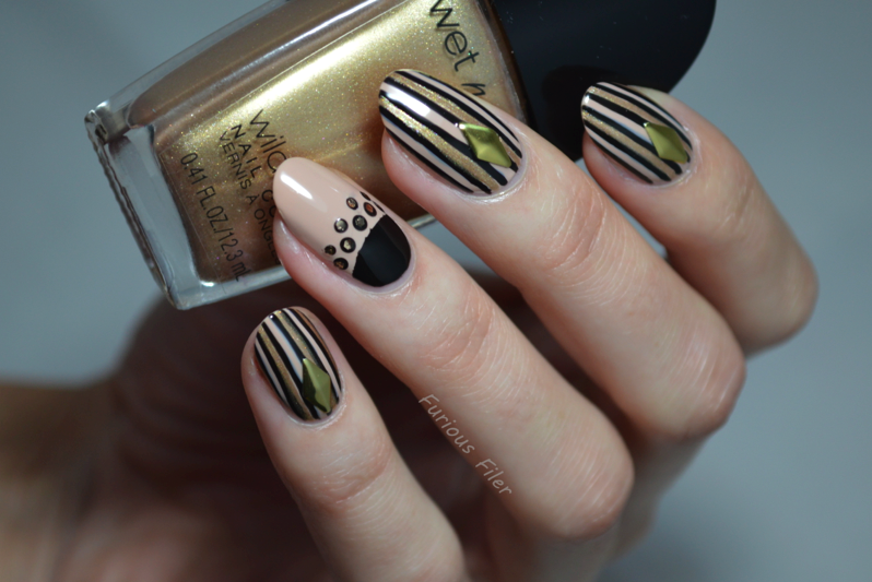 black and gold glamour nail art tutorial