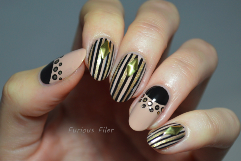 nail art turorial black and gold